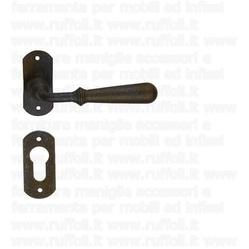 Maniglia in ferro per porte 09047