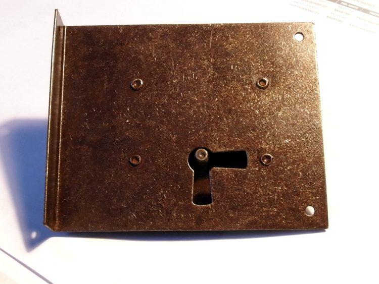 Serratura per mobili antichi 9184/34 in ferro anticato